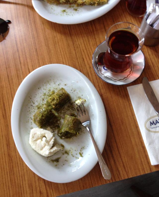 TurkishTeaandBaklave